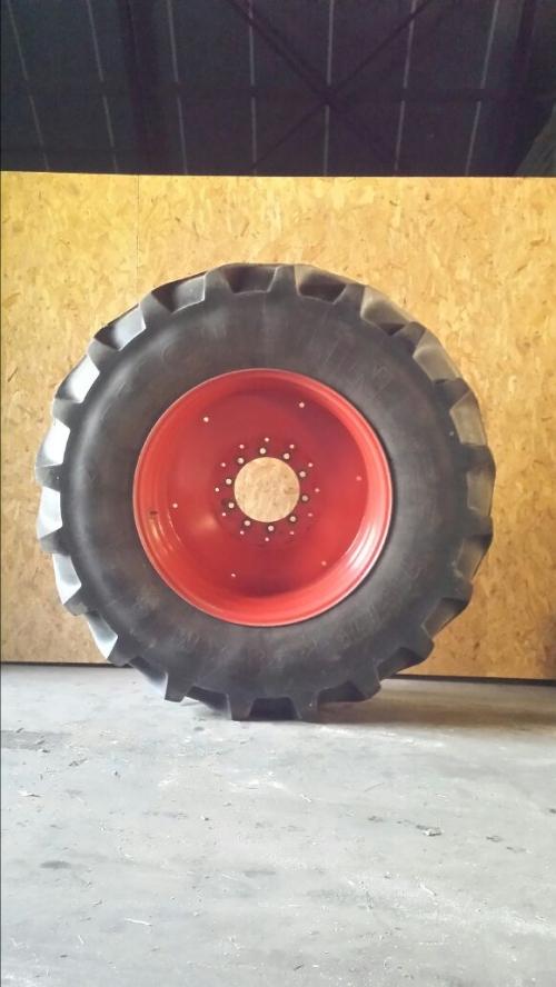 Michelin XM28 710/70R38